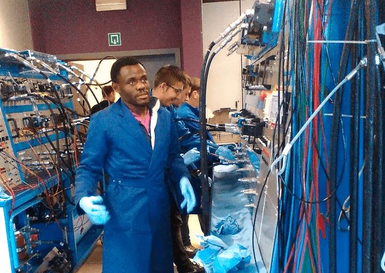 Les étudiants en bachelier Informatique Industrielle en formation au TechnoCampus de Mons